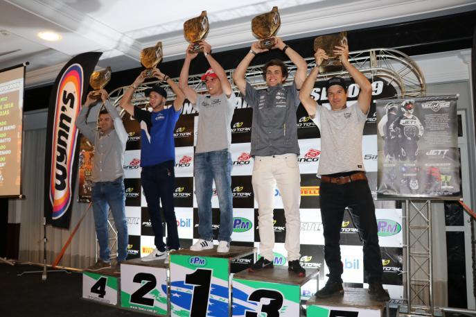 Federação Paranaense de Motociclismo homenageia pilotos nesta sexta-feira, em Curitiba