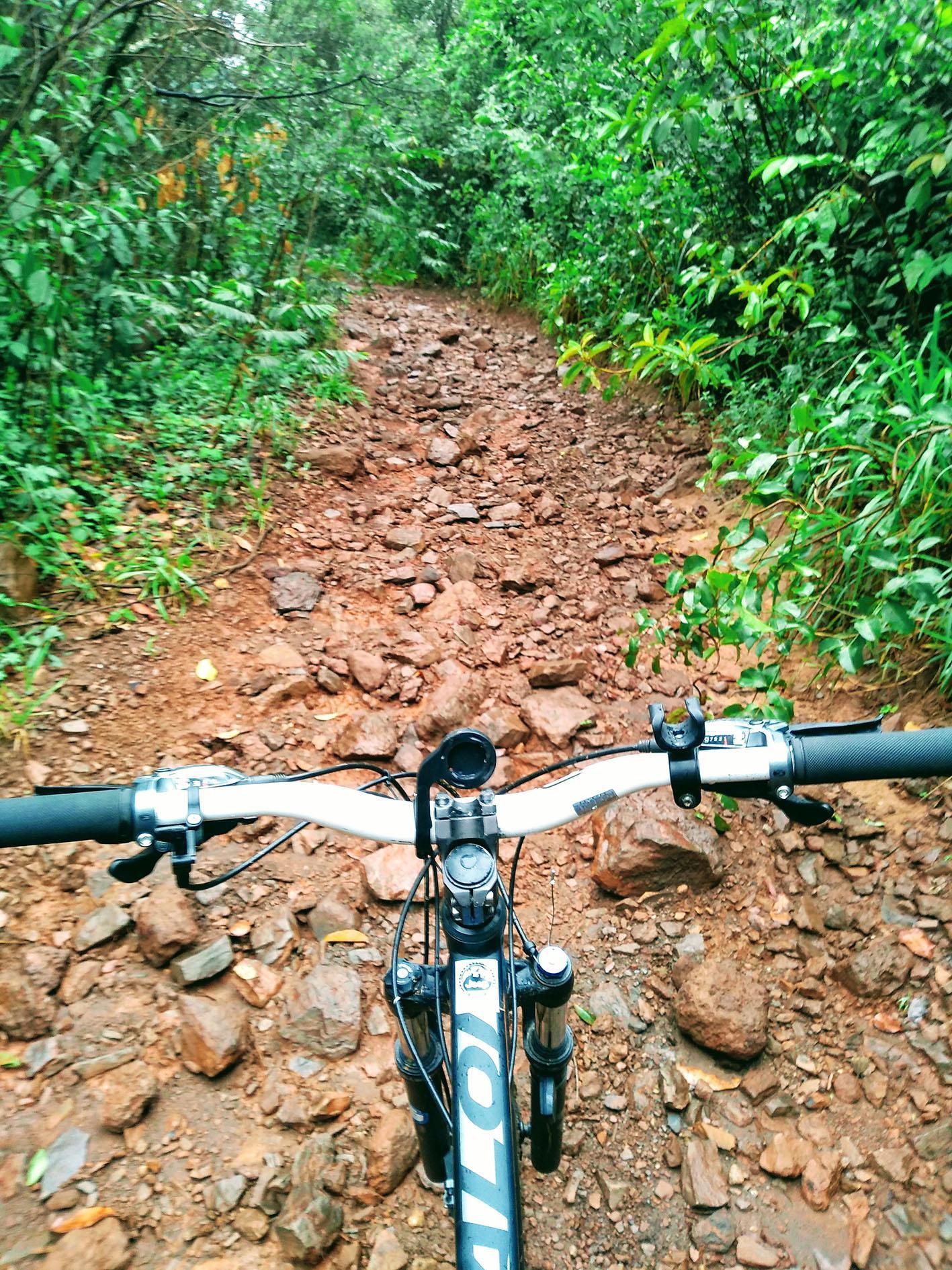 De bike pela Trilha da Pedra Grande
