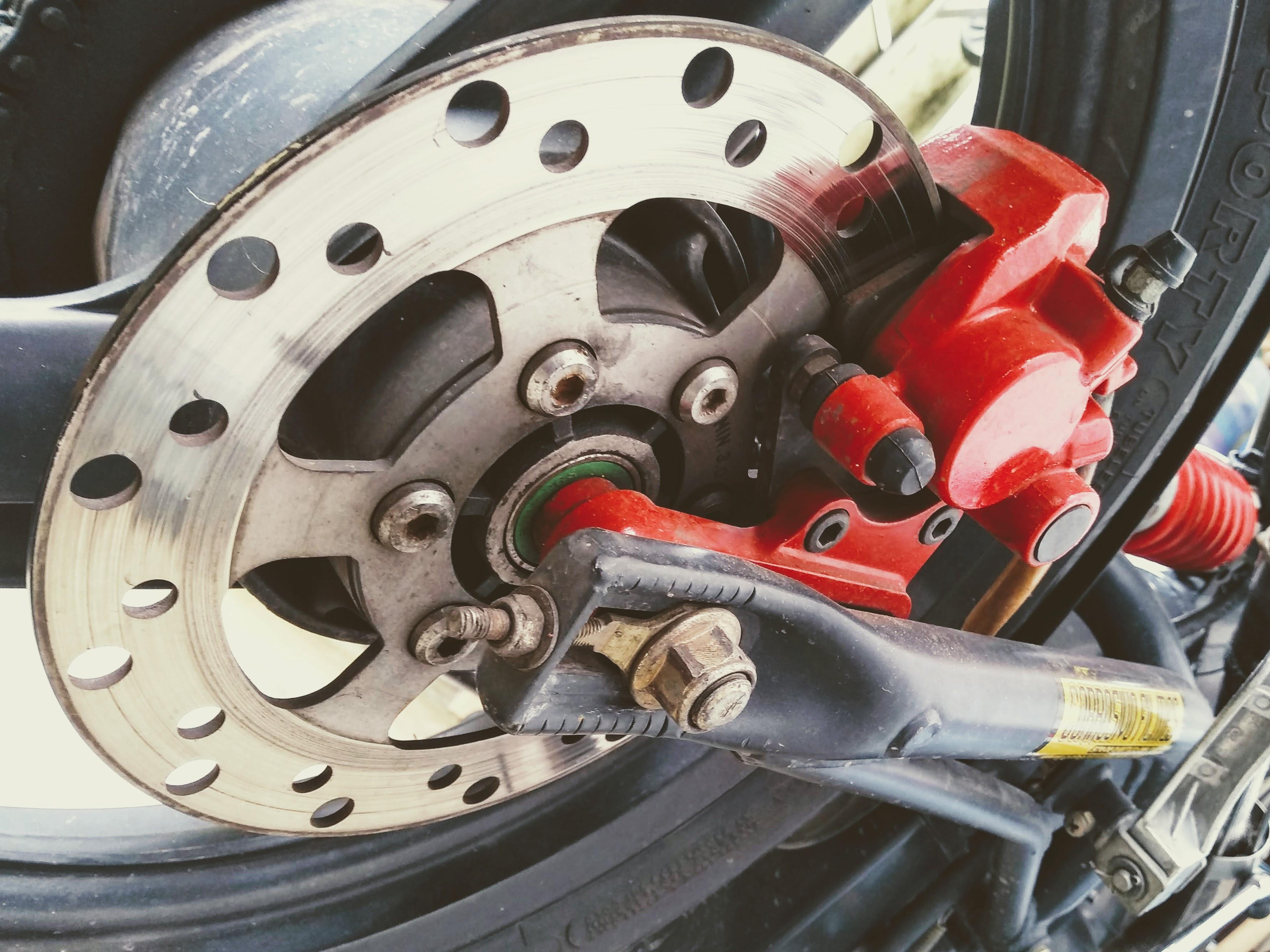Produção de motocicletas cai 98% em abril no Brasil